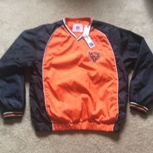 Bears Pull Over size M. New with tags